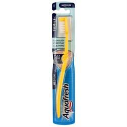 Aquafresh Зубная щетка Family средней жесткости - фото 11722